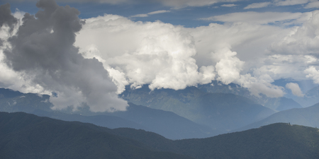 Clouds over mountains, Dochula Pass, Thimphu, Bhutan Banco de Imagens - 97717712