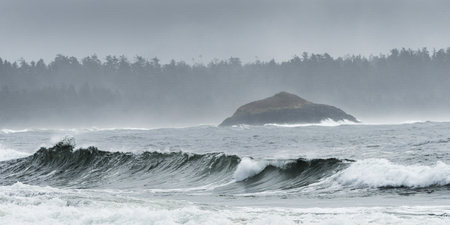 Waves breaking on beach, Pacific Rim National Park Reserve, British Columbia, Canada 写真素材