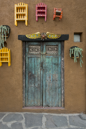 Detail of shutters in a closed window of house, Zona Centro, San Miguel de Allende, Guanajuato, Mexico Stockfoto