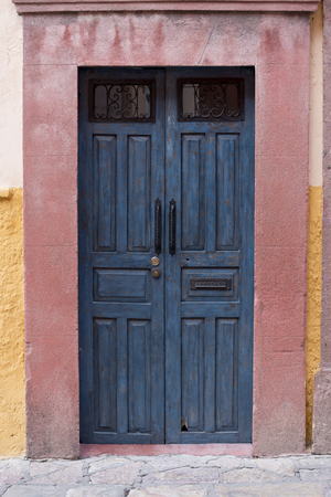 Entrance doorway of a house, Zona Centro, San Miguel de Allende, Guanajuato, Mexico Reklamní fotografie