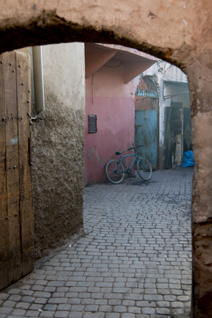 Alley of the Medina, Marrakesh, Morocco 스톡 콘텐츠