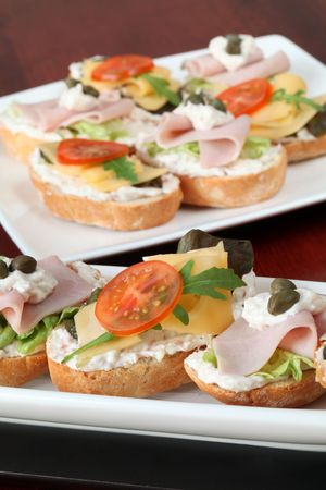 finer: Cheese and ham appetizers