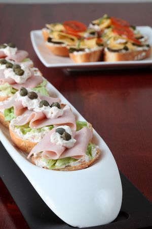 finer: Ham and cheese appetizers