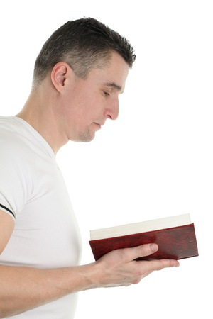 vangelo aperto: Uomo che legge la Bibbia, isolato su sfondo bianco