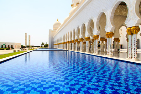 sheikh zayed mosque: Sheikh Zayed Mosque - the largest mosque in the world