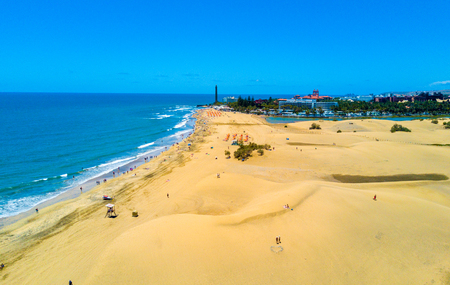 Luchtfoto van de duinen van Maspalomas op het eiland Gran Canaria. Stockfoto
