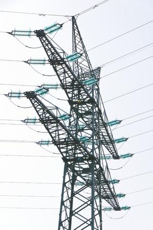 Tension Turm mit Traversen einer Hochspannungsleitung