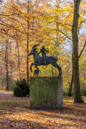 mythical: Sculpture of the mythical creature with horsewoman and dog created by Ludwig Vierthaler, Eilenriede, Hannover