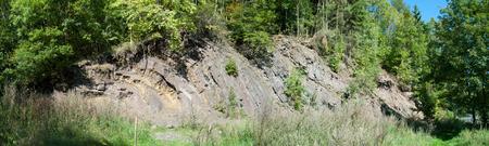 Felswand in Steinbruch bei Borghagen in Duedinghausen, Kreis Medebach im Hochsauer Lizenzfreie Bilder