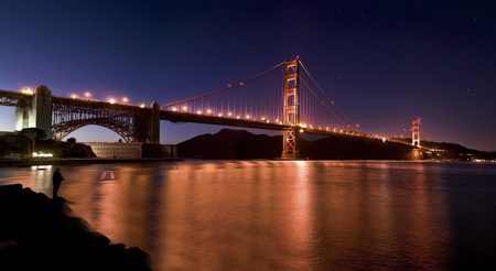 샌프란시스코: Golde Gate at nithg in San Francisco 스톡 사진