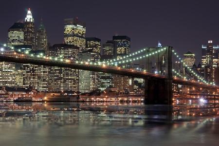 cable bridge: Brooklyn bridge in front of Manhattan
