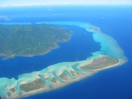 小さなラグーン、フランス領ポリネシアの空中写真