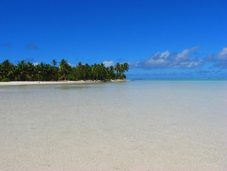 Tropical beach in Maupiti, French Polynesia Stock Photo - 4293653