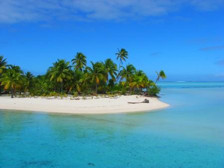 Una hermosa playa en la Isla de pie, Aitutaki, Islas Cook Foto de archivo