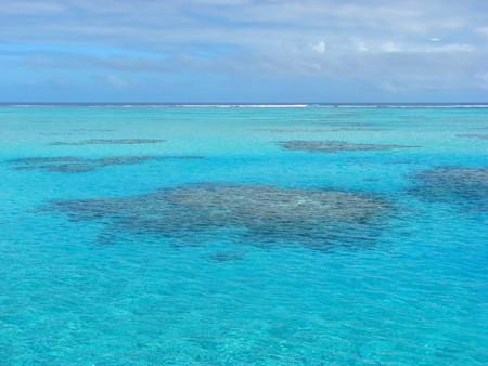 Beautiful water near One Foot Island, Aitutaki, Cook Islands 免版税图像