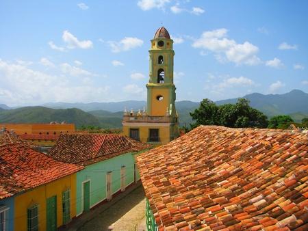 屋上を見るの古い都市キューバのトリニダ 写真素材