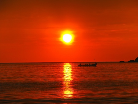 spring tide: Tropical sunset on the Palolem beach, Goa, India Stock Photo