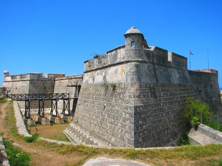 ordenanza: Castillo de San Pedro de la Roca del Morro, Santiago de Cuba, Cuba Foto de archivo