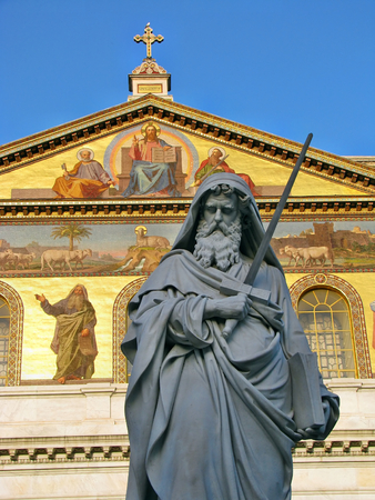 Statue of St. Paul holding a sword in Basilica of Saint Paul outside the walls in Rome, Italy 免版税图像