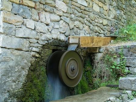 molino de agua: Turbina Antiguo