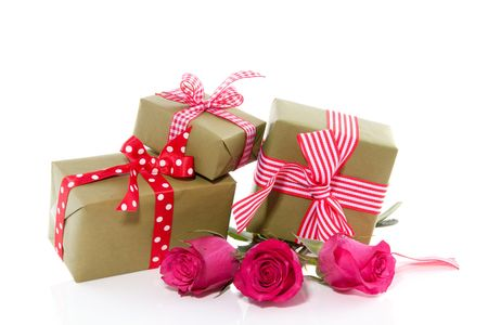 cheerful gifts and pink roses