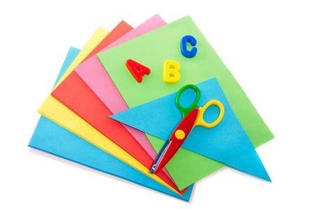 guardería: plegables hojas de colores y tijeras una