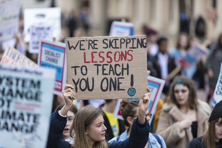 LONDON, UK - March 15, 2019:Thousands of students and young people protest in London as part of the youth strike for climate march Éditoriale