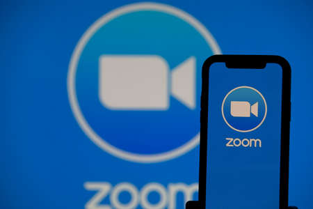 LONDON, UK - April 2nd 2020: Popular Zoom video conference app icon on a mobile device Redactioneel