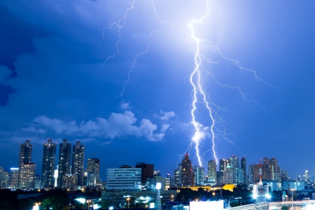 Real lightning bolt strike in a city Stock Photo - 15581834