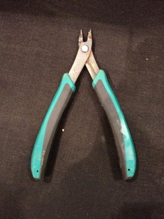 wire: Wire cutter
