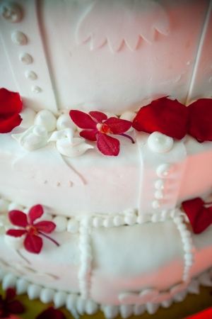 Details on wedding cake tiers