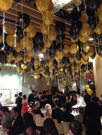 annual event: Configuraci�n de restaurante para un evento anual de negocios