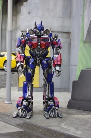 prime: Optimus Prime Humanoid Editorial