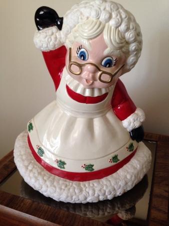 mrs claus: Mrs. Claus statue