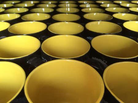 dozens: Dozens of mugs