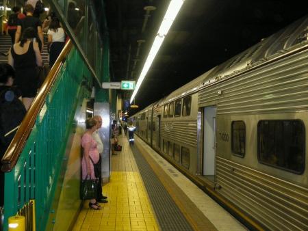 estacion de tren: Estaci�n de tren en Sydney