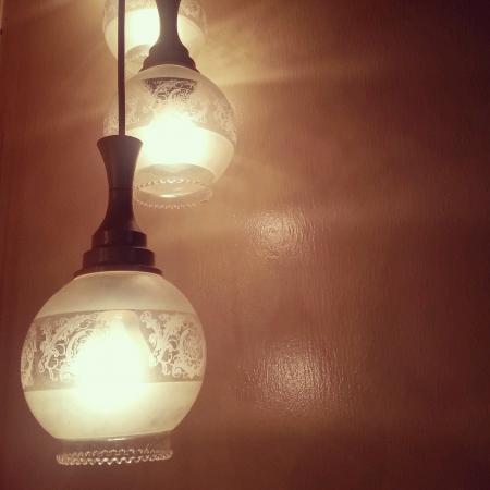 dim light: Romantically set up dim light setting Stock Photo