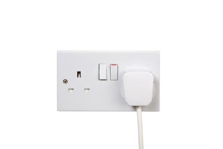 toma corriente: Socket brit�nica y la conexi�n. Socket encendido. aislados en blanco Foto de archivo
