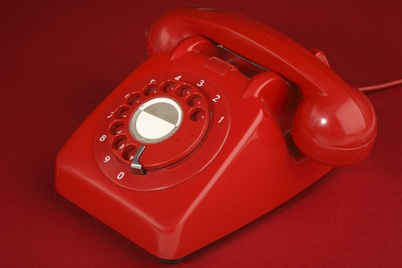 British retro t�l�phone rouge sur un fond rouge