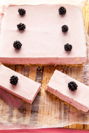 Frozen blackberry   white chocolate cheesecake