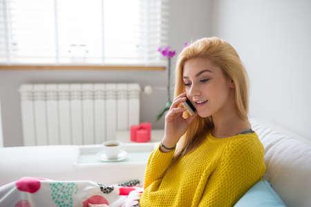 plainness: Having an interesting phone chat