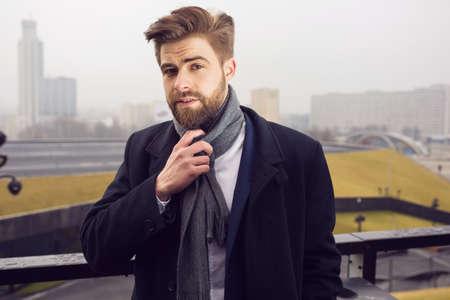 horizontal haircut: Professional posing to the photo