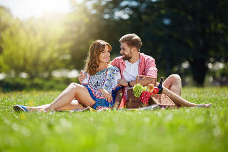 love affair: Afternoon relax on the picnic