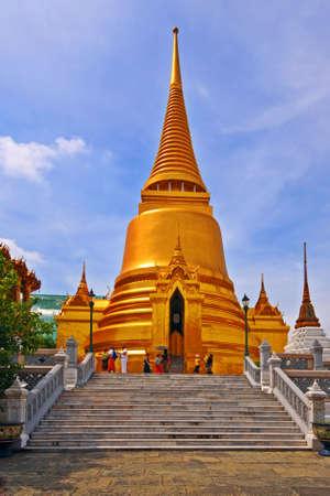 krung: Thai Stupa in Wat Phra Kaeo