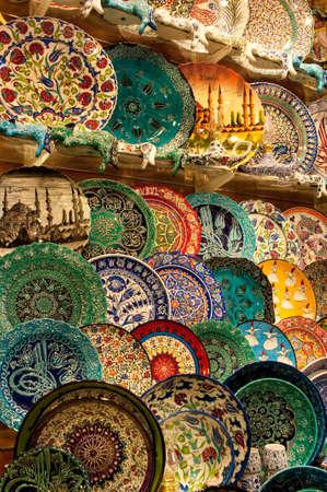 kapalicarsi: Handmade turkish plates for sale, Kapalicarci, Istanbul, Turkey. Editorial