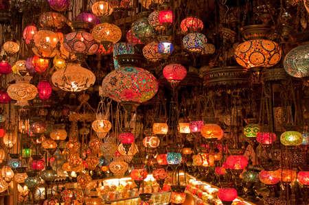 Grande variété de lampes turques à la vente