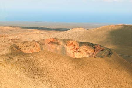 timanfaya: Cr�ter de volc�n en el Parque de Timanfaya en Lanzarote