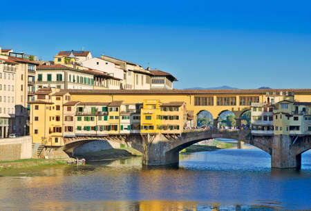 vechio: Bridge over Arno river in Florence , Italy