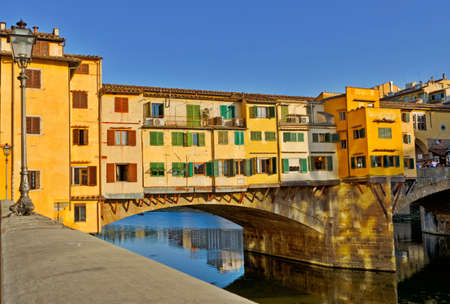 ponte: Detail of the famous Ponte Vecchio Bridge, Italy