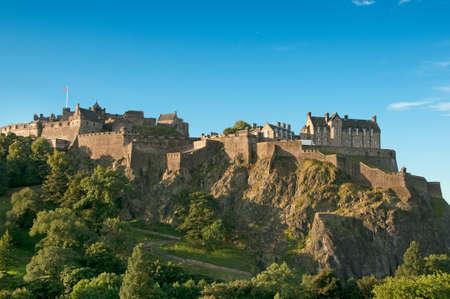 edinburgh: Edinburgh Castle on a clear sunny day